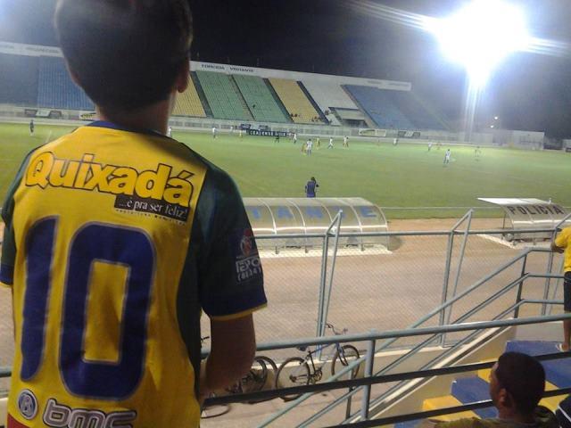 Quixada_menino_futebol