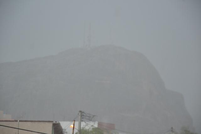 Pedra_Cruzeiro_chuva