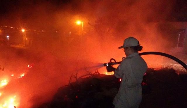 bombeiro_apaga_fogo