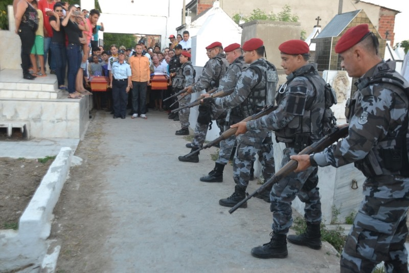 policiais_mortos_velorio1